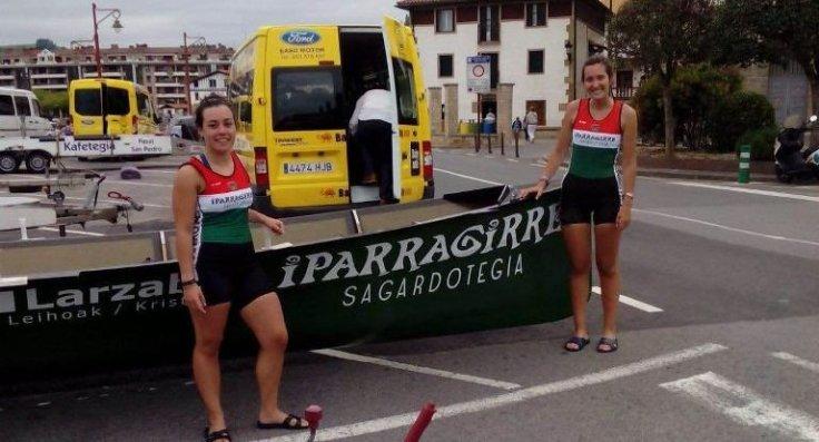 Maria Alvaren eta Rita Rodriguez, asteazkenean, traineruarekin.